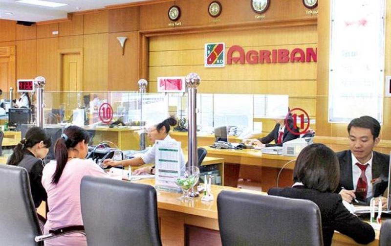 Rút tiền tại chi nhánh ngân hàng/phòng giao dịch