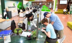 Vay tín chấp theo lương ngân hàng Vietcombank lãi suất thấp 2021