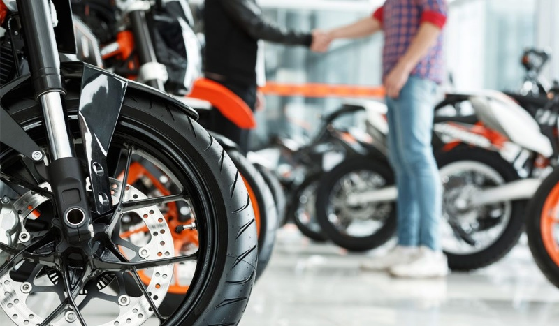 Hiện nay các ngân hàng, tổ chức đang cung cấp dịch vụ vay tín chấp bằng giấy đăng ký xe máy